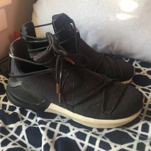 Black/rose gold Puma sneakers high ankle sz 5.5